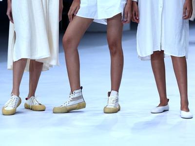 3 Cara Memilih Sepatu yang Nyaman