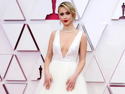 Parade Merah-Putih-Emas di Oscar 2021