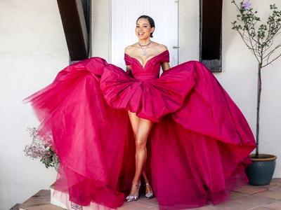 7 Gaya Penuh Warna di SAG Awards 2021