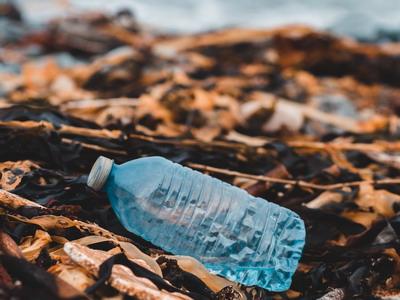 Kurangi Sampah Plastik, Sekarang Juga!