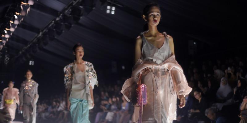 Inspirasi Gaya di Bulan April dari Jakarta Fashion Week 2020