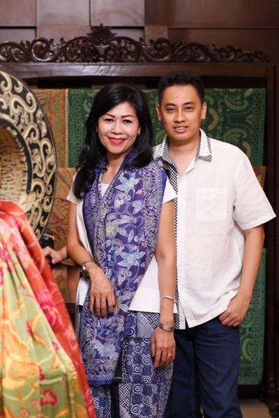 Berbagi Peran di Batik Nyonya Indo