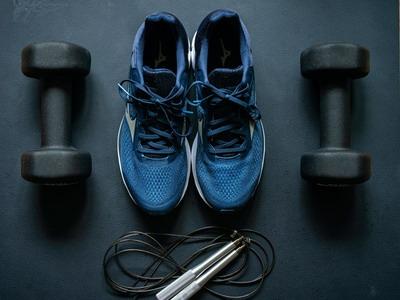 Tips Membeli Sepatu untuk Olahraga di Rumah