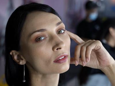 Usia Paling Tepat Mulai Memakai Eye Cream