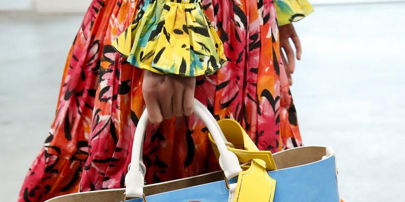 10 Inspirasi Gaya Commuter dari Runway Fashion Week Dunia