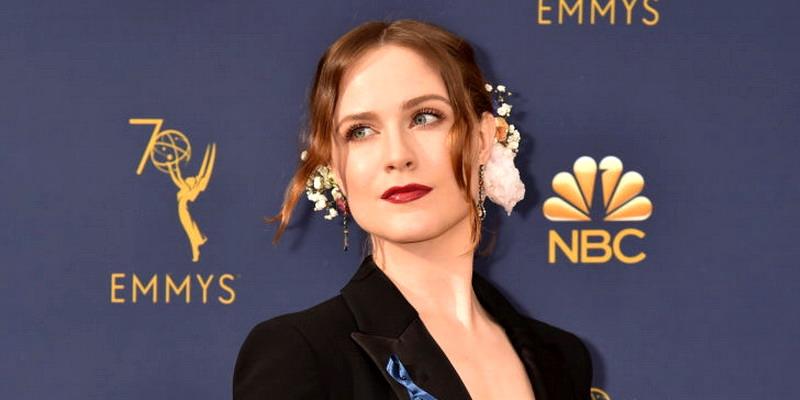 6 Inspirasi Cantik dari Emmy Awards 2018