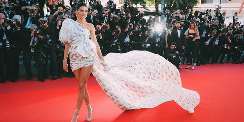 7 Gaya Paling Glamor di Karpet Merah Cannes 2017