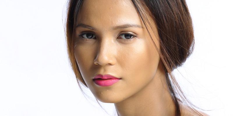 Trik Makeup Kulit Gelap