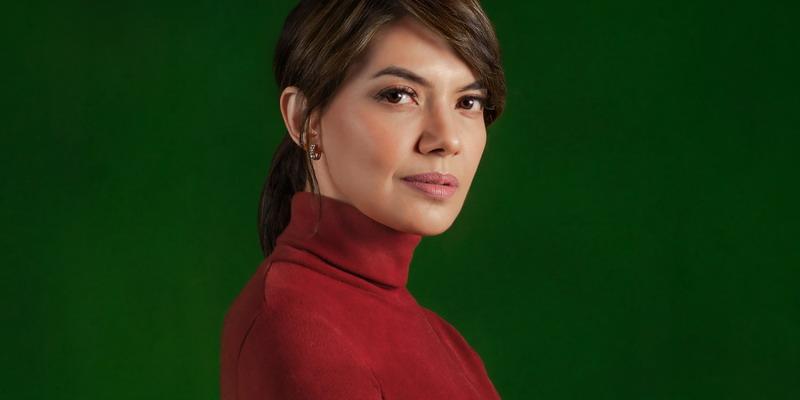 Wanita Tangguh dalam Turtleneck, Seperti Najwa Shihab