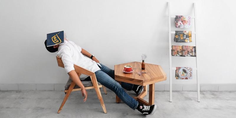 4 Trik Menghilangkan Rasa Kantuk di Kantor
