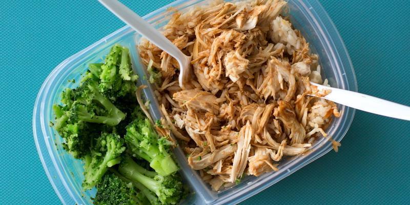 3 Cara Makan Lebih Sehat di Kantor